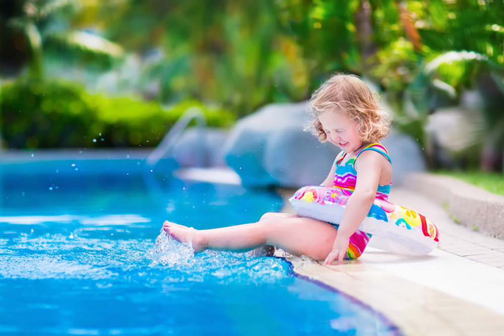 piscine avec plage immergée